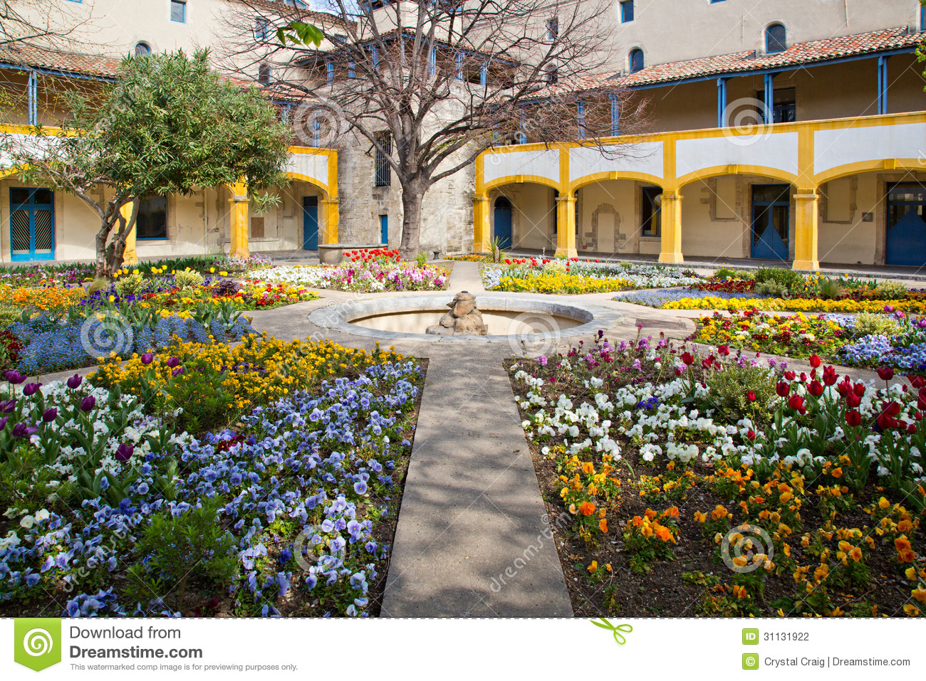 Awesome Garden Of The Hospital Arles France Stock Photo   Image Of Archways, Color:  31131922
