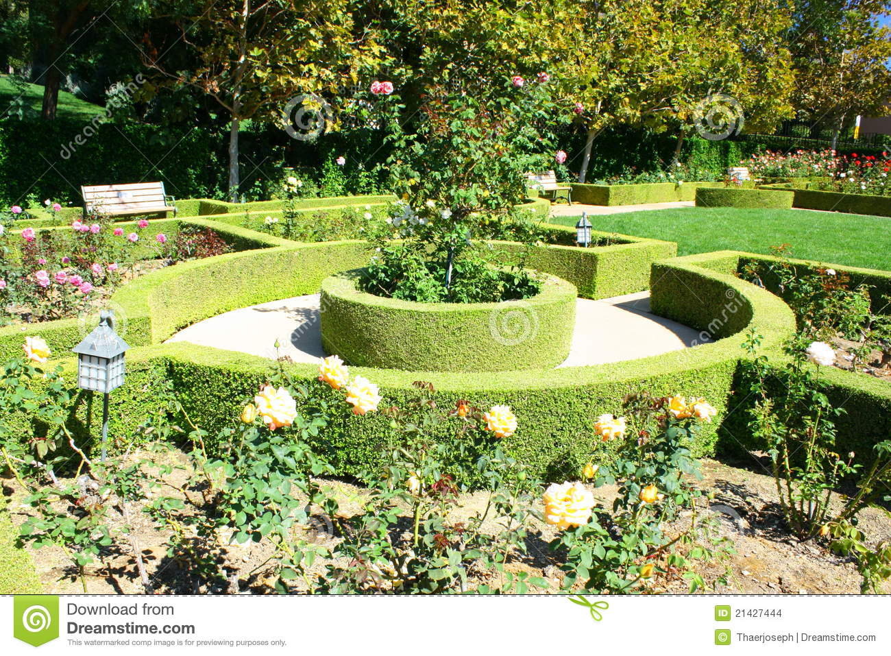 Garden landscape stock photo image of mansion house for Pocket garden designs philippines