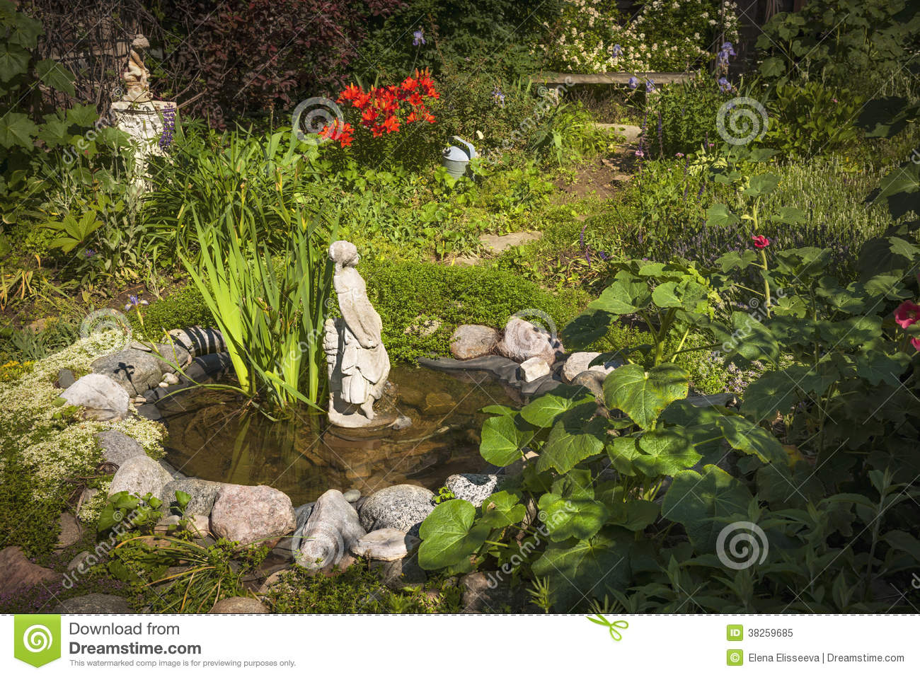 Stsatuette For Outdoor Ponds: Garden Pond With Statue Stock Image. Image Of Garden