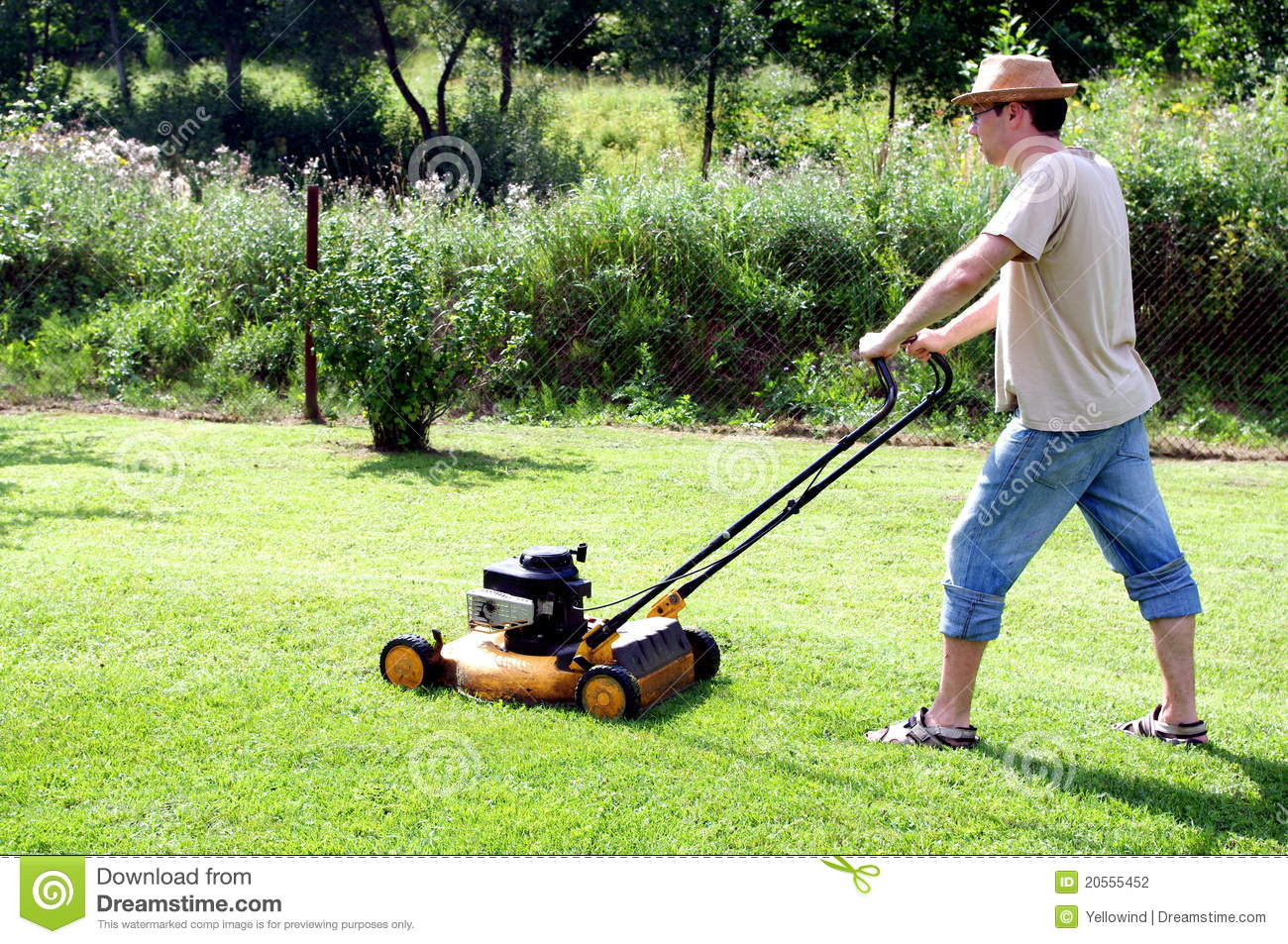 Gardening - Cutting The Grass Stock Photography - Image: 20555452