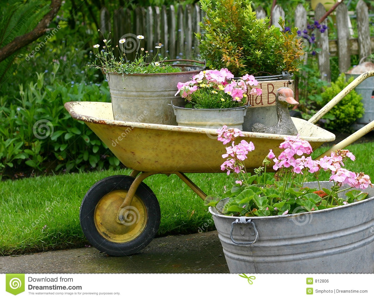 Gardening pots royalty free stock image image 812806 for Gardening tools melbourne