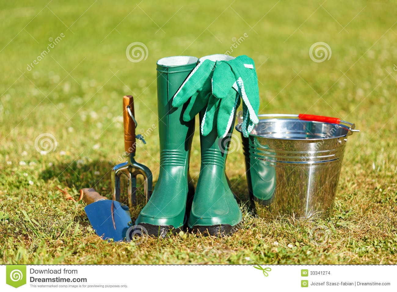Gardening tools and equipment stock images image 33341274 for Tools and equipment in planting