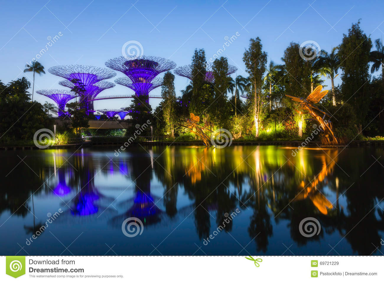 Gardens By The Bay Editorial Stock Image Image Of Attraction 69721229