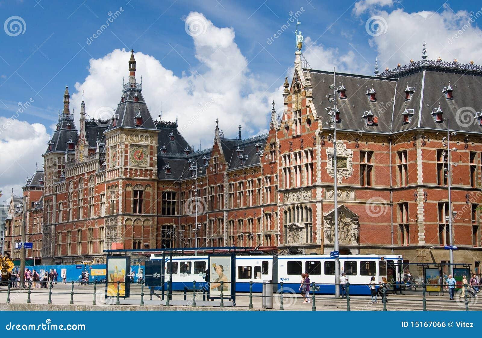 Gare de central d 39 amsterdam photo ditorial image du service tourisme 15167066 - Office du tourisme d amsterdam ...