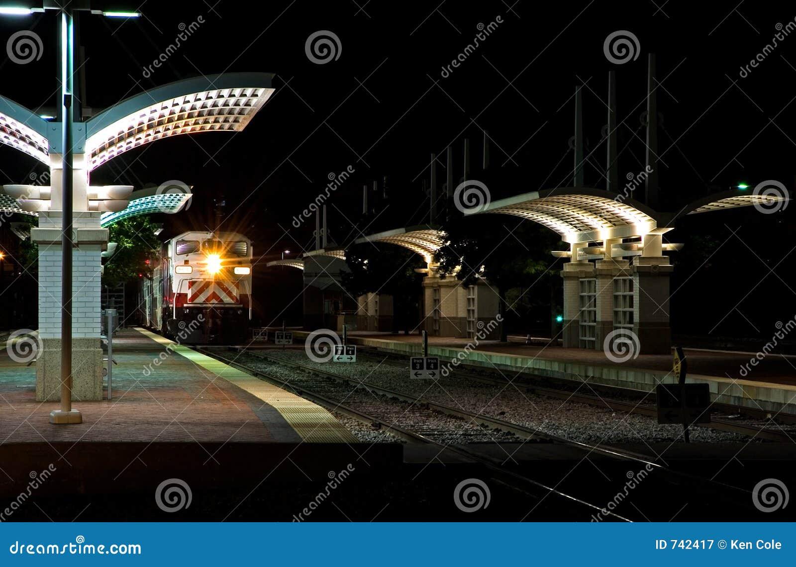 Gare de navette la nuit