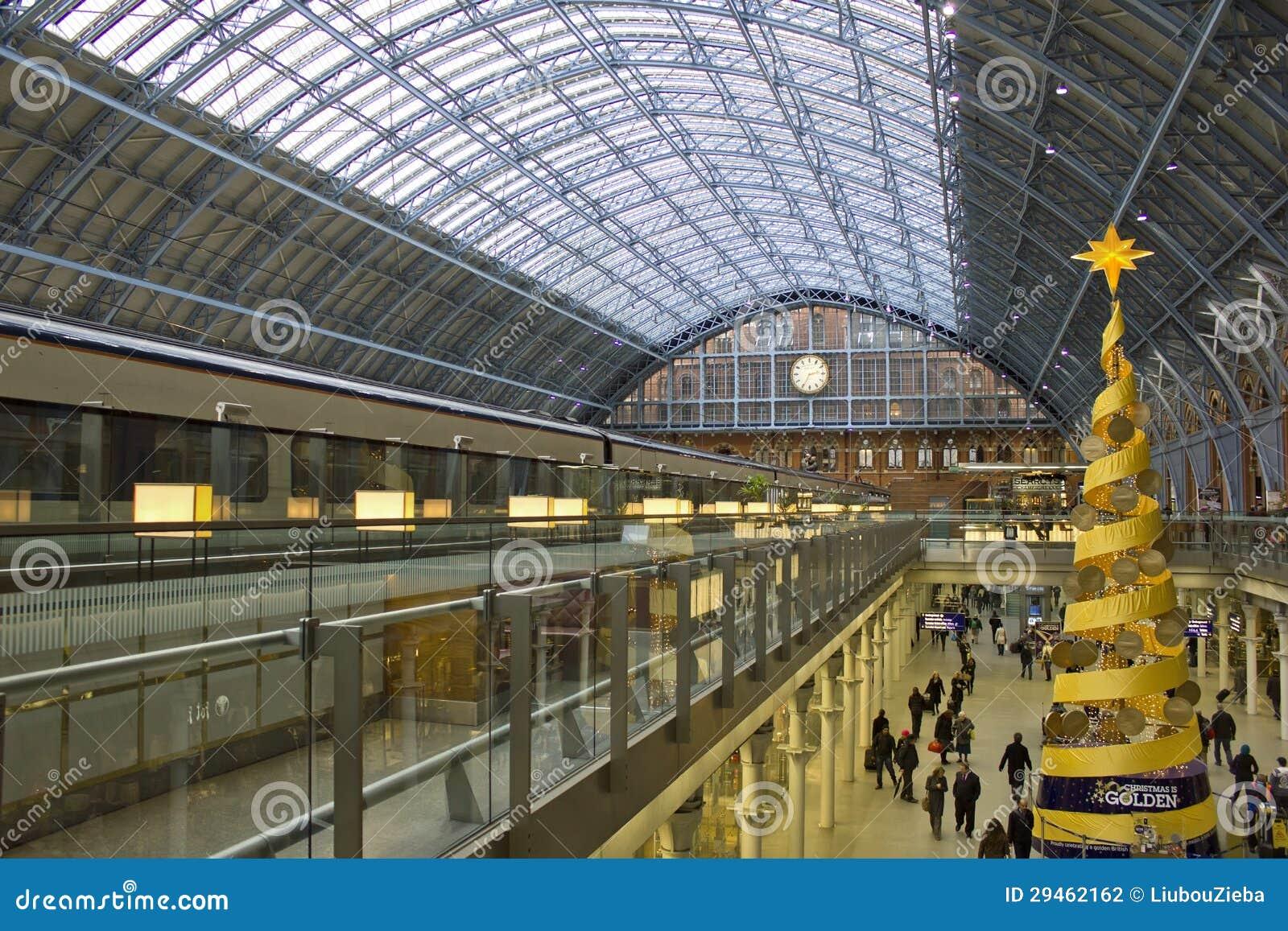 Gare de saint pancras londres angleterre photographie ditorial image 29 - Consigne saint pancras londres ...