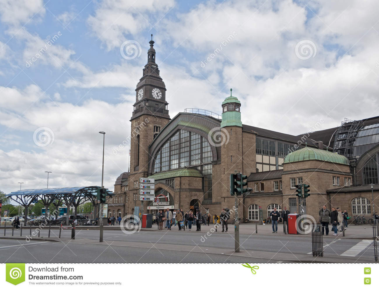 gare ferroviaire centrale hambourg image stock ditorial image 71864769. Black Bedroom Furniture Sets. Home Design Ideas