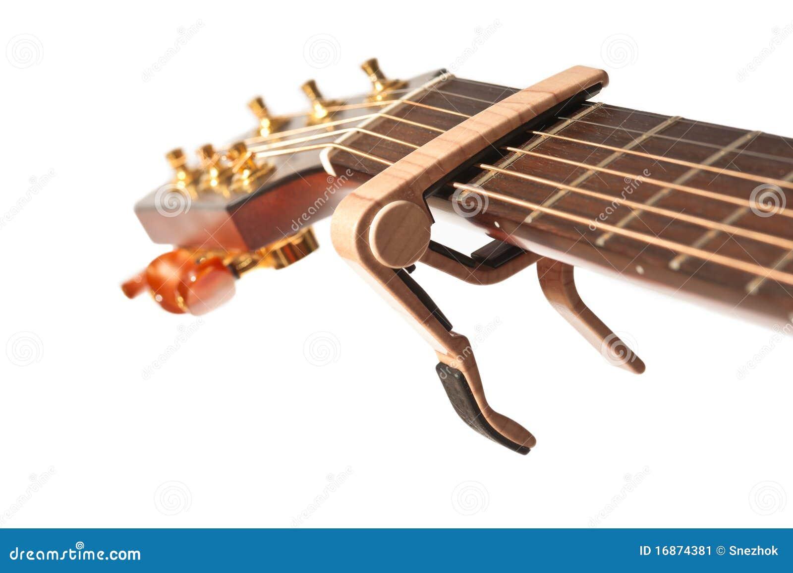 Garganta da guitarra com capo