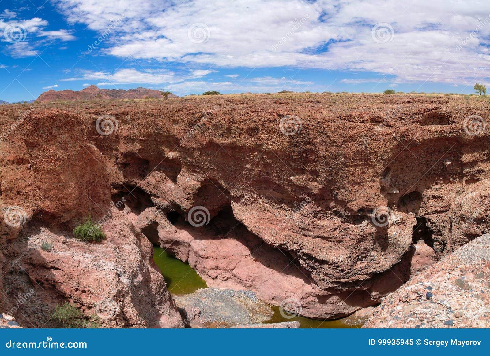 Garganta de Sesriem do rio de Tsauchab, Sossusvley, Namíbia