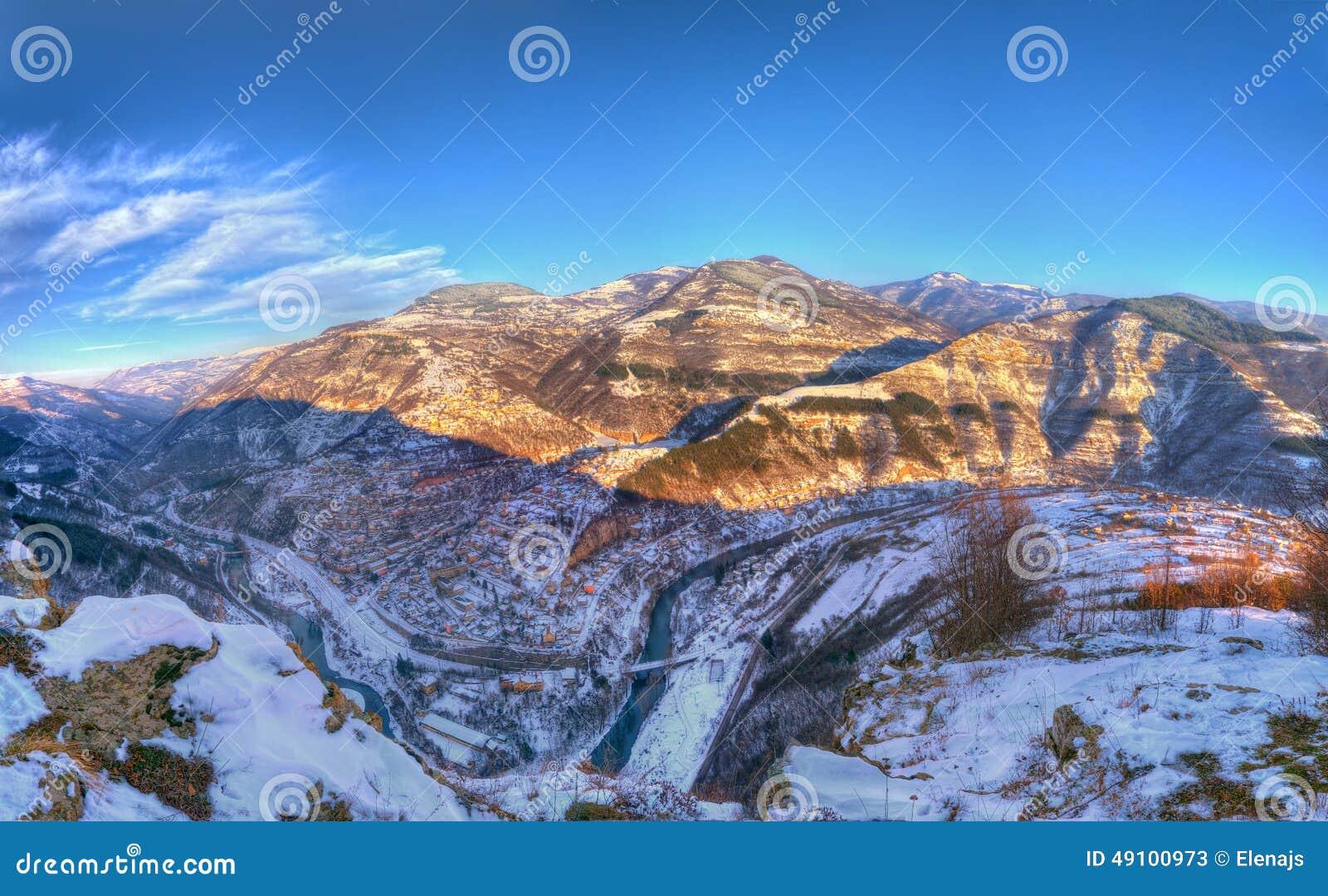 Garganta y Bov, Bulgaria de Iskar