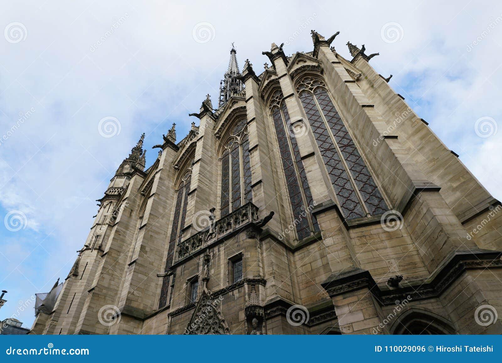 Gargouilles bij een kerk in Frankrijk