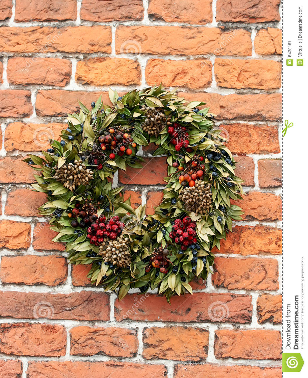 Garland with green leaves and berries