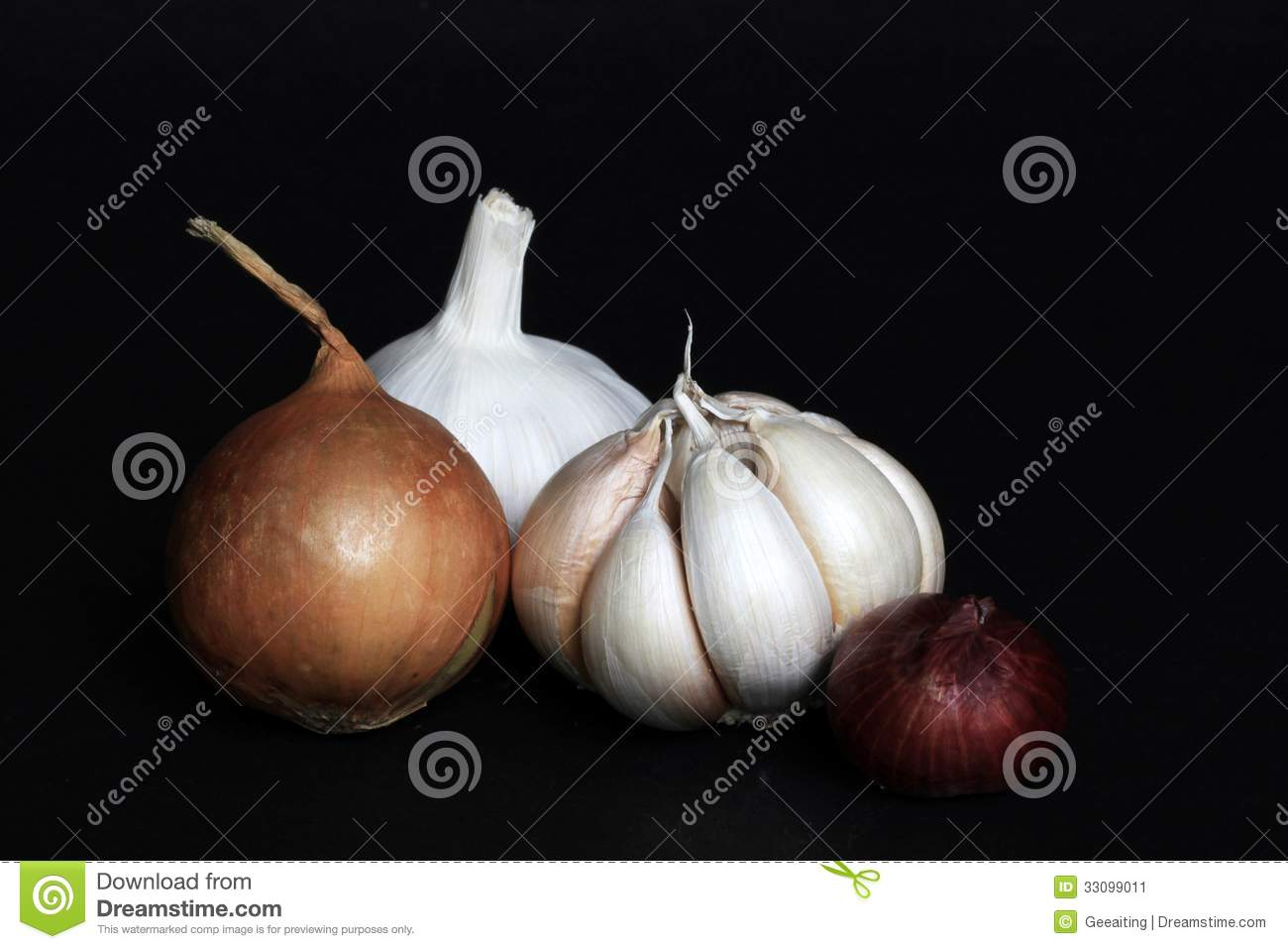 Garlic, onion and red onion can be found in the kitchen where there