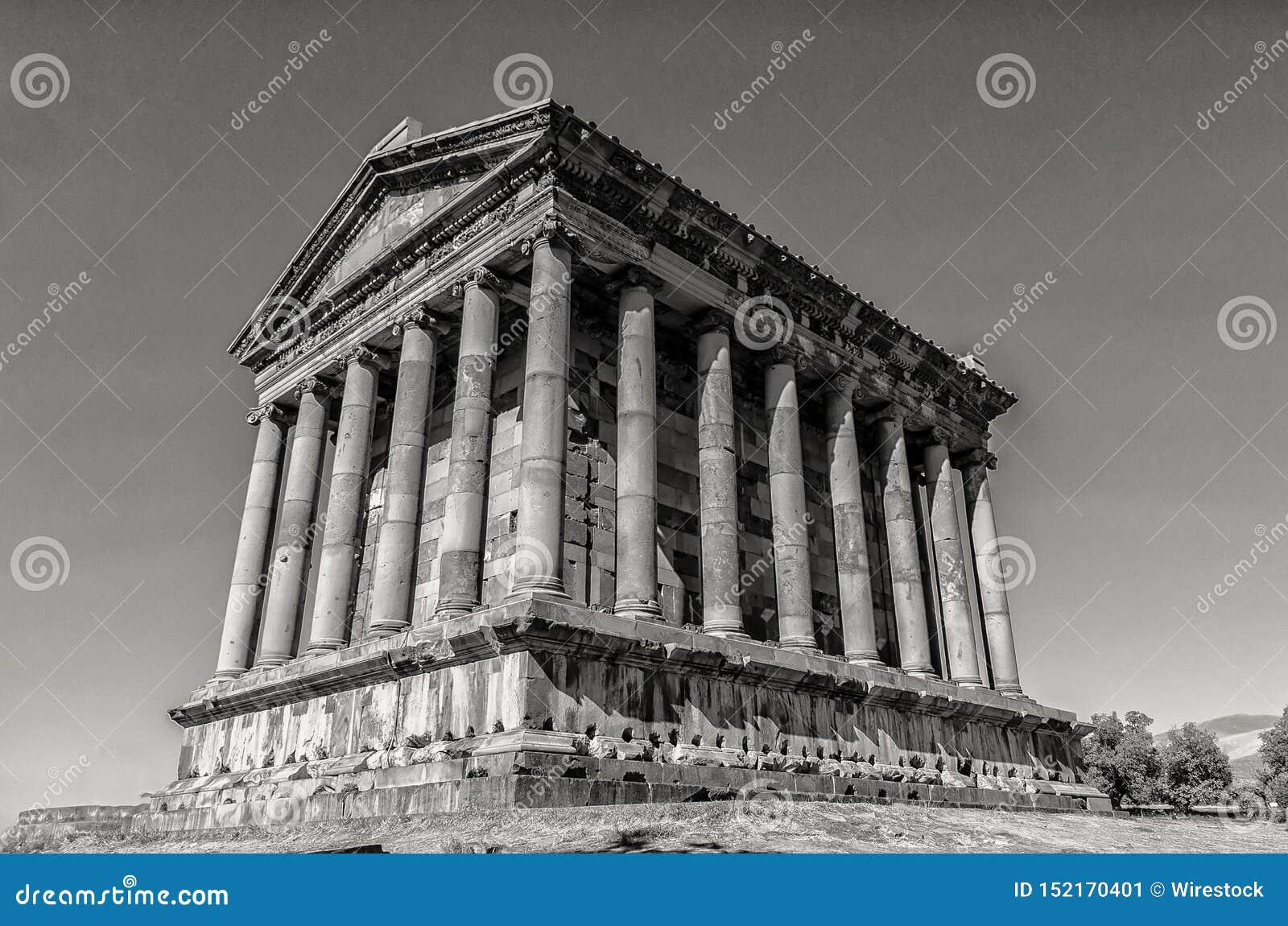 Garni寺庙在亚美尼亚在黑白射击了