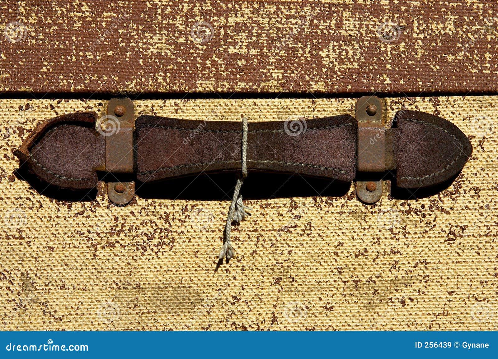 garnissez en cuir le traitement sur une vieille valise images libres de droits image 256439. Black Bedroom Furniture Sets. Home Design Ideas