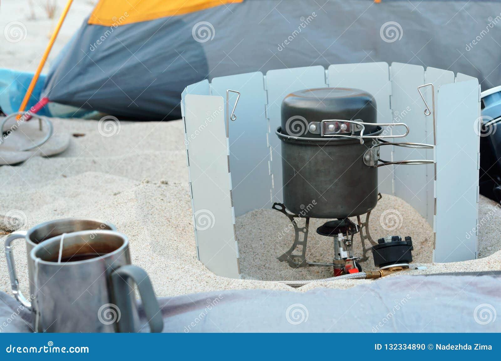Gas burner traveler, tourist cooking set