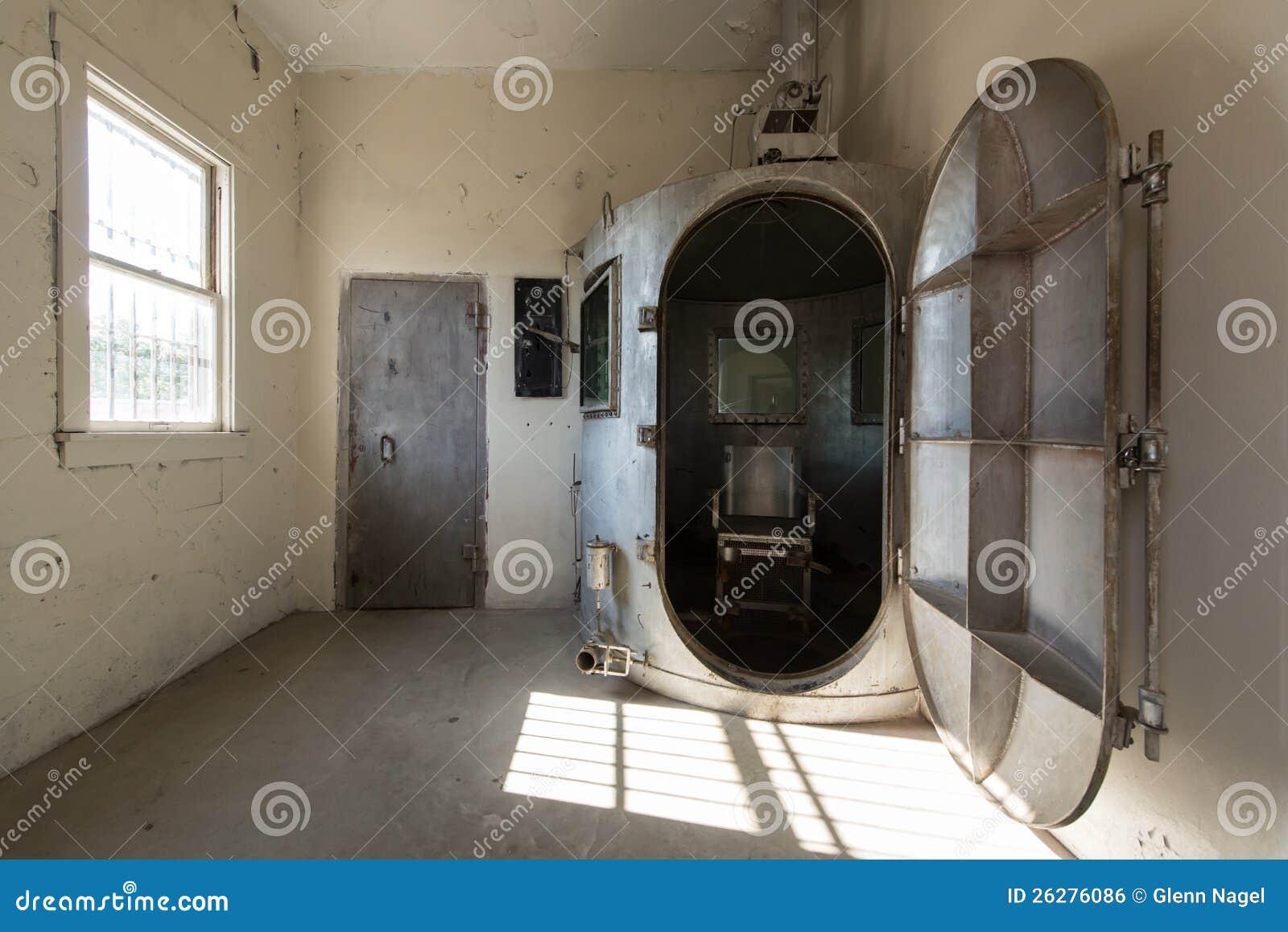 Gas chamber editorial photo image of interior penalty for Camarade de chambre