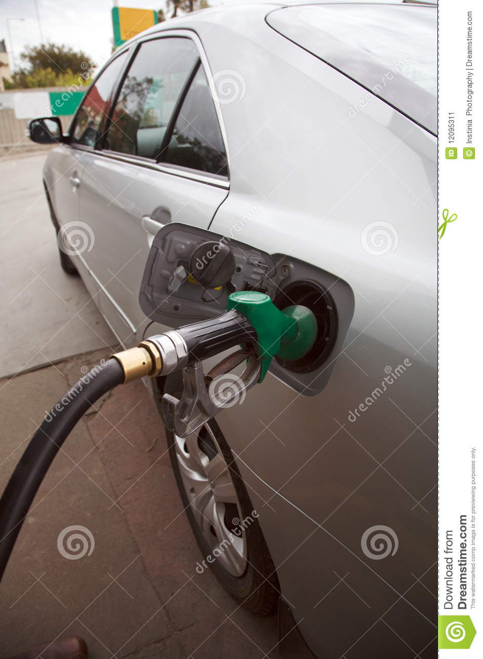 Gas petrol filling station
