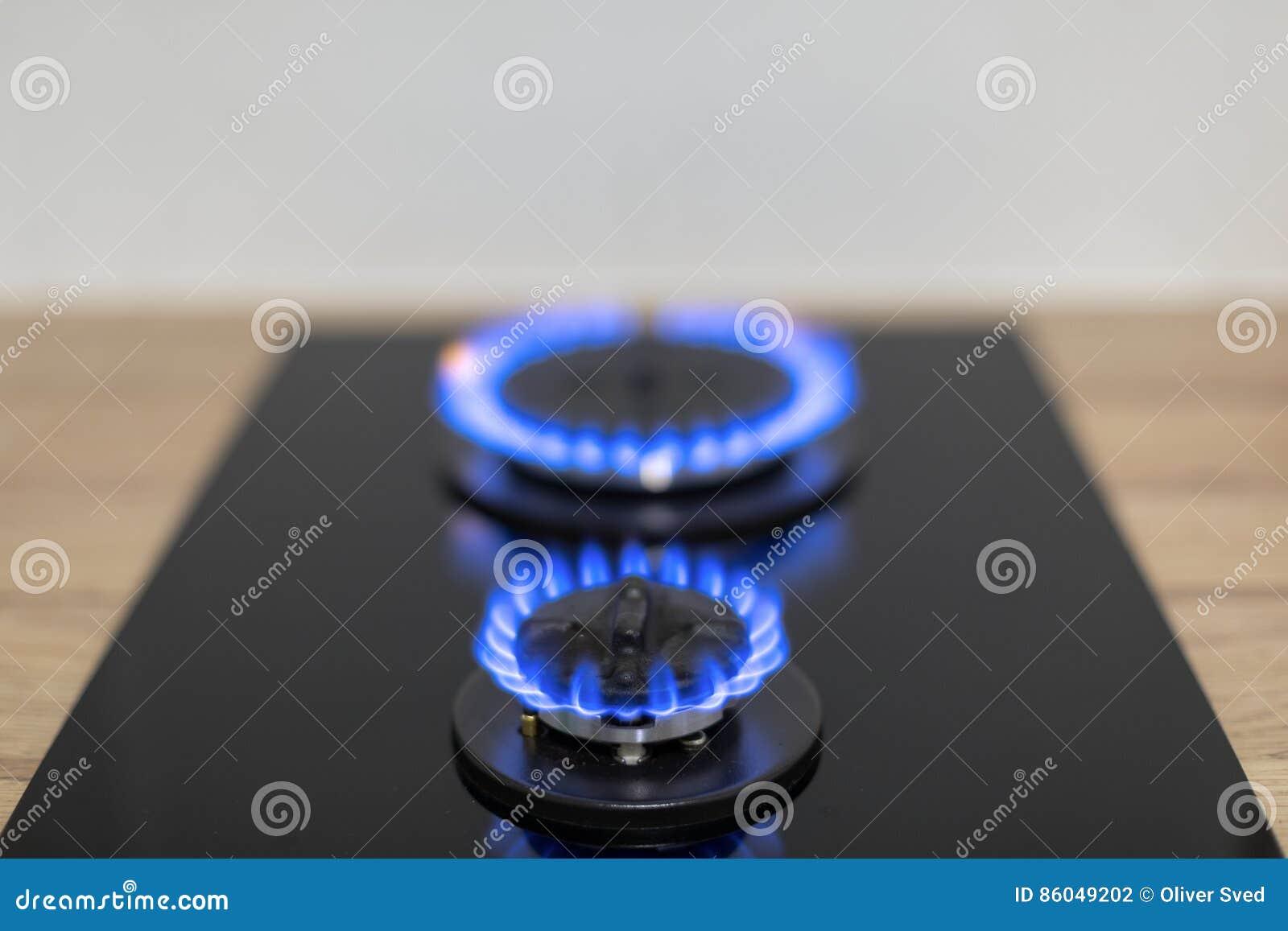 Gasbrenner in der Küche stockfoto. Bild von küche, gasbrenner