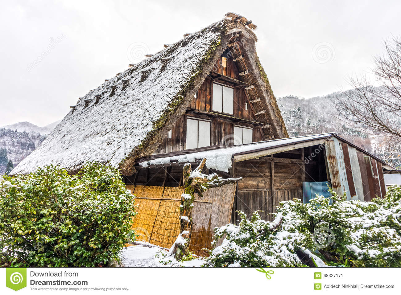 Gassho style wooden houses for home stay at shirakawa go - What temperature to keep house in winter when gone ...