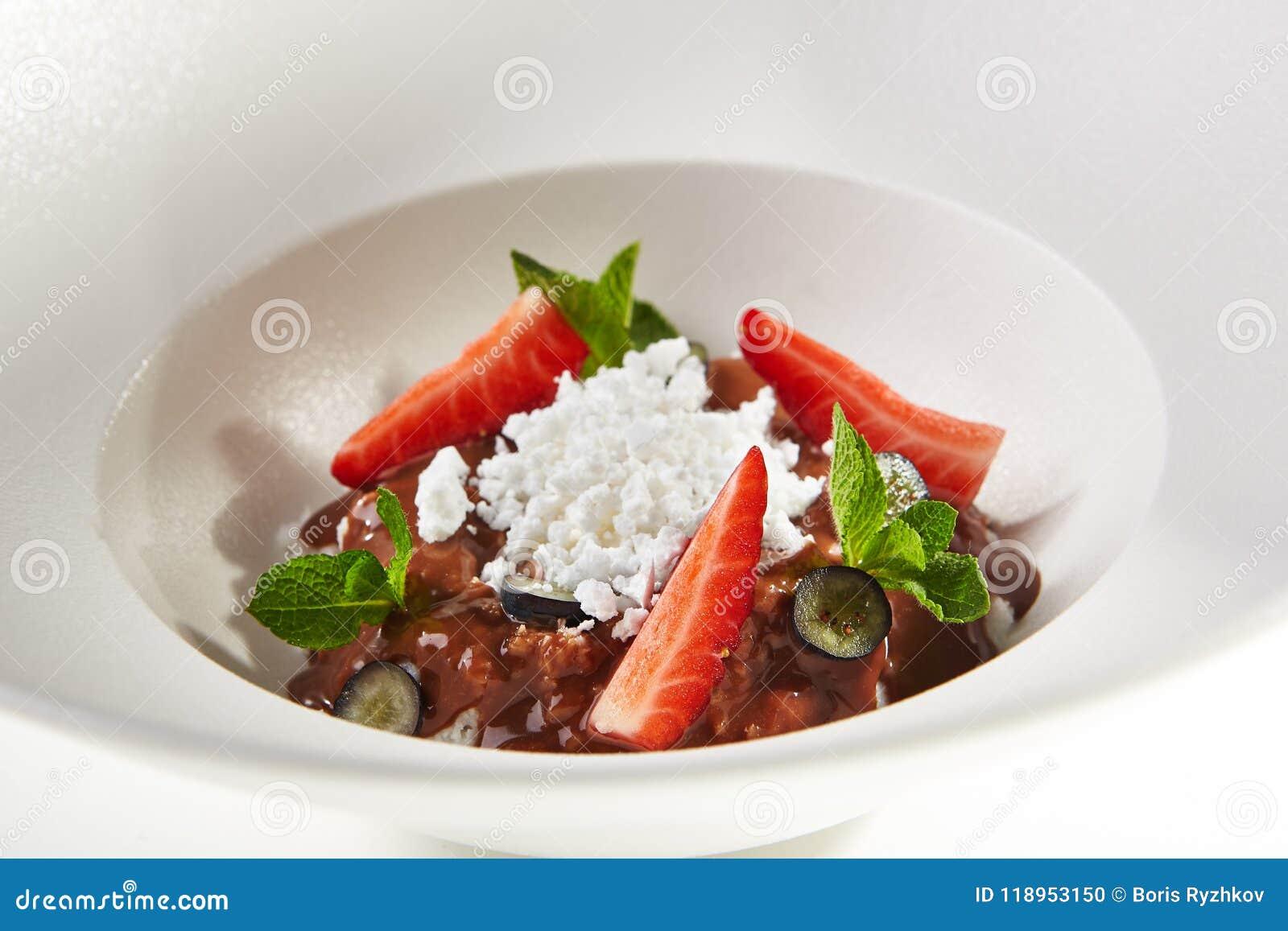 Gastronomisch Dessert met Roomijs