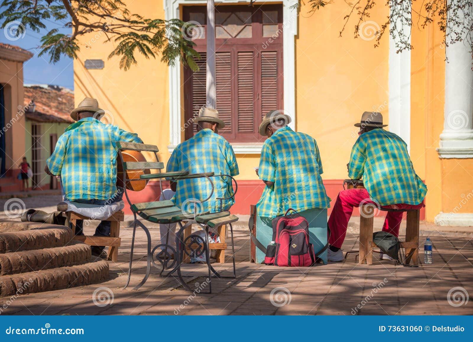Gatamusiker i Trinidad Cuba