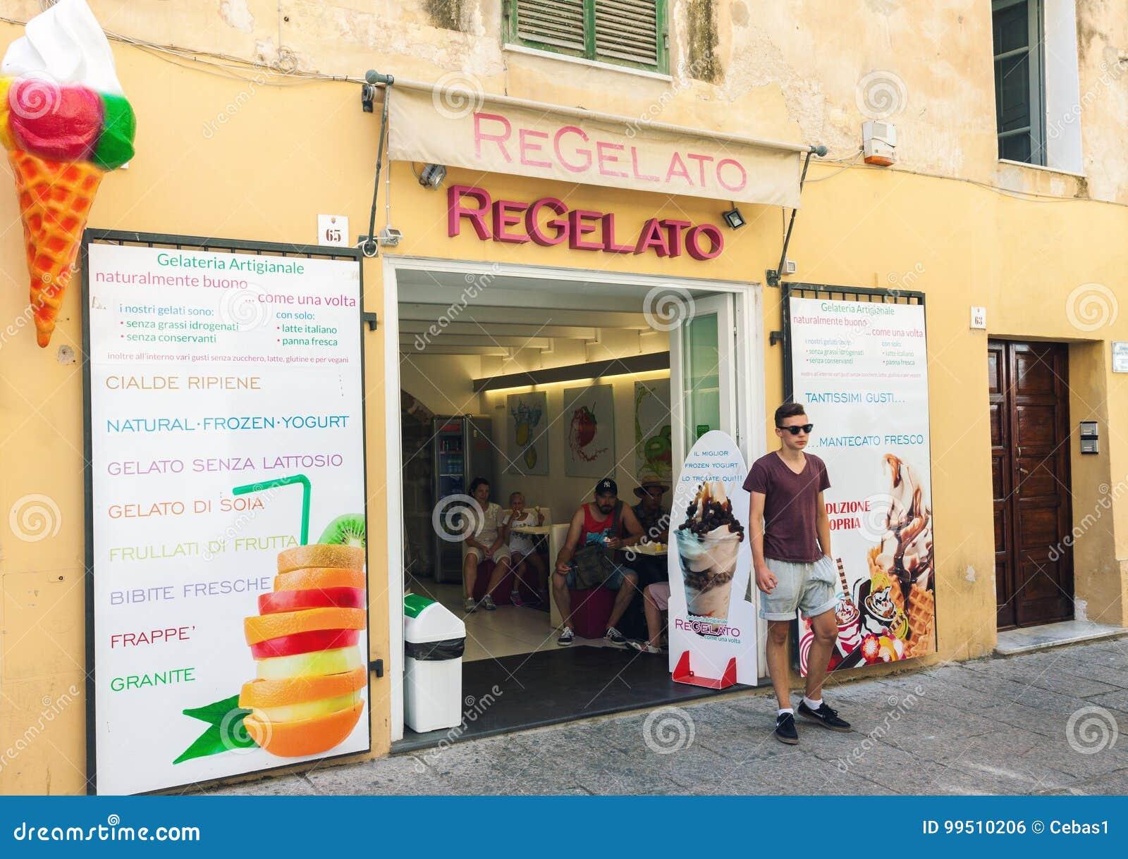 Gatasikt av traditionell italiensk gelateriayttersida