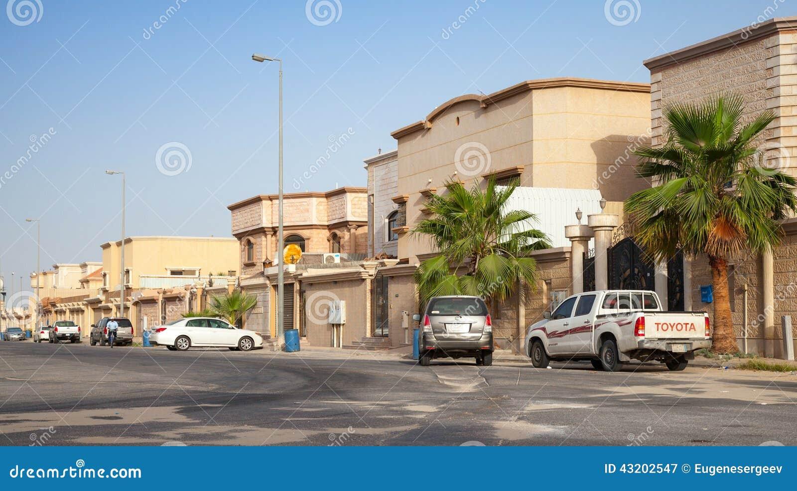 Download Gatasikt Med Parkerade Bilar, Saudiarabien Redaktionell Arkivbild - Bild av kunna, morgon: 43202547