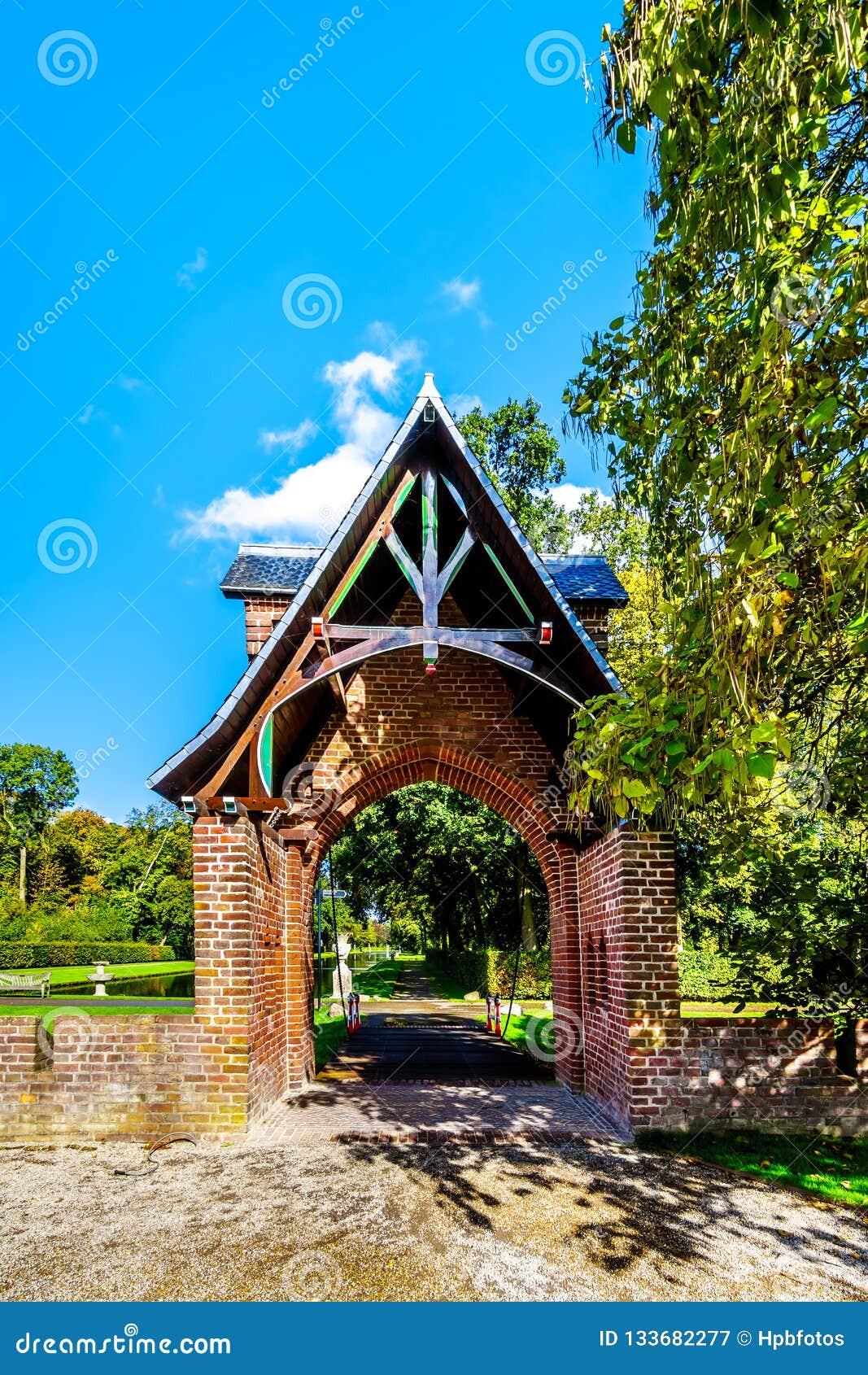 Gate entrance to the park surrounding Catle De Haar