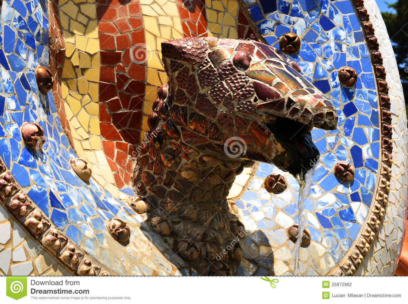 Architectural detail of the famous Python fountain at Parc Guell ...