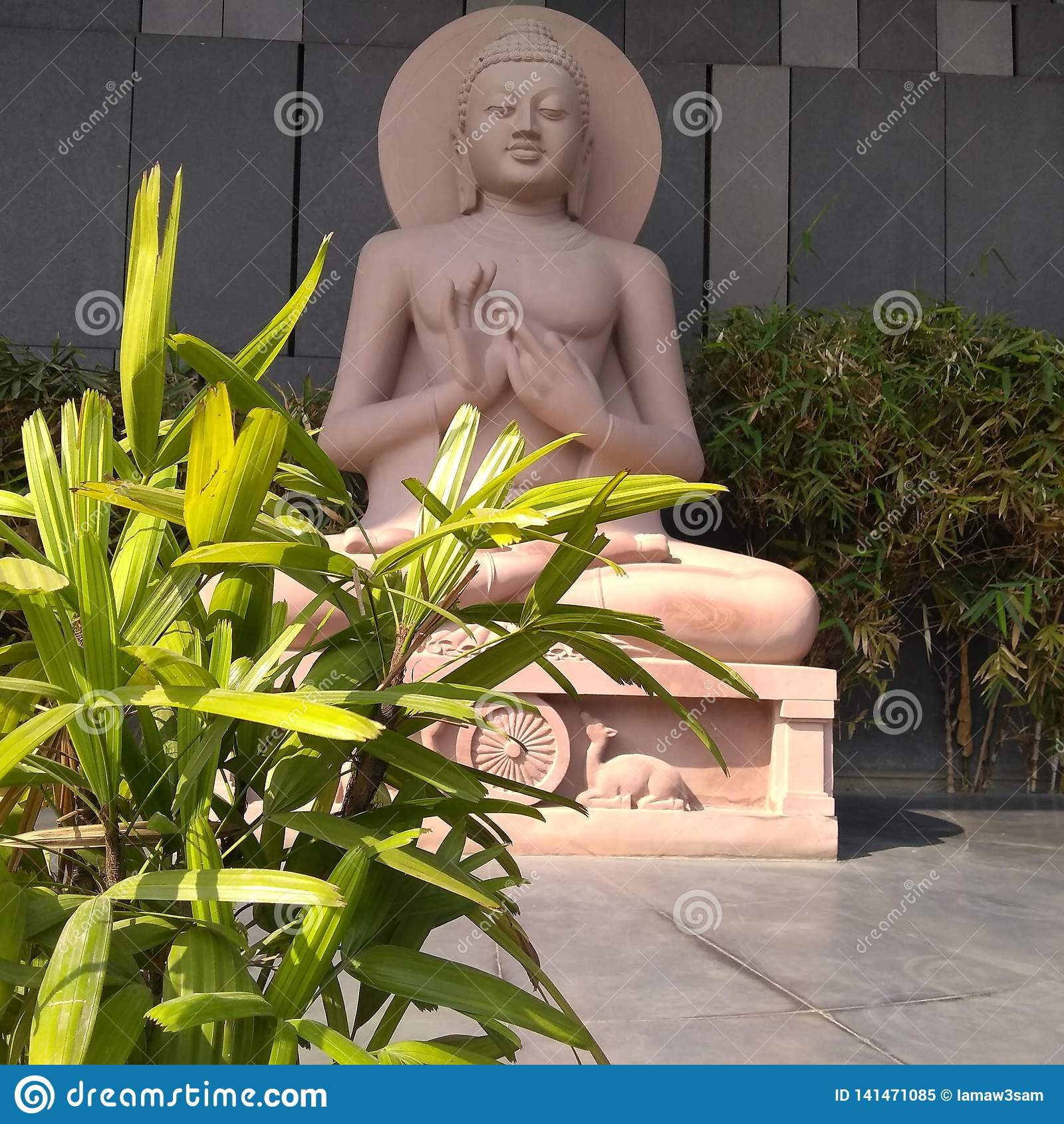Gautam Buddha-standbeeld in Boedha Smriti Park, Patna