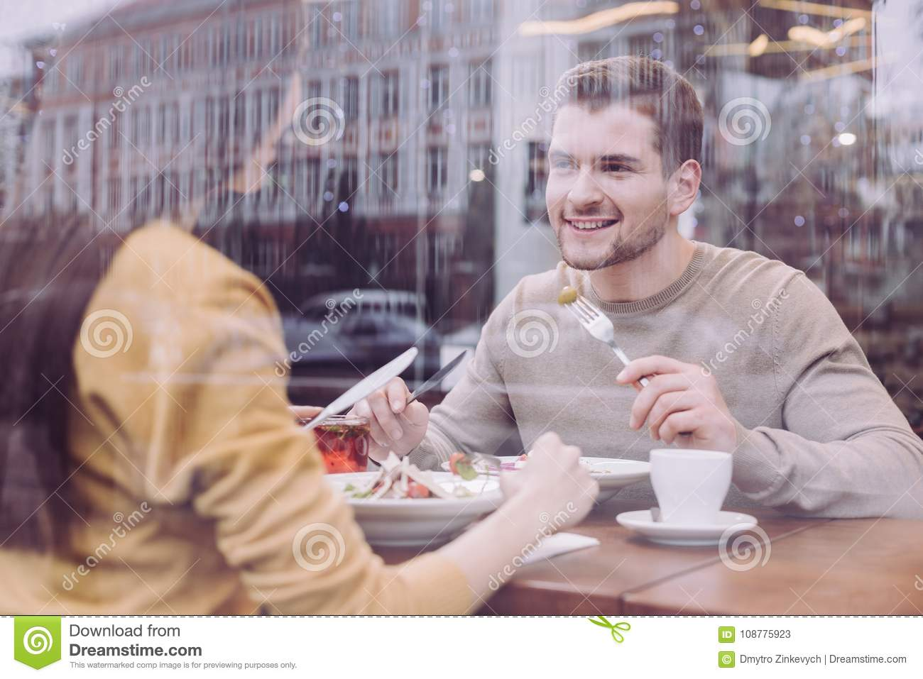 woman dating a gay guy