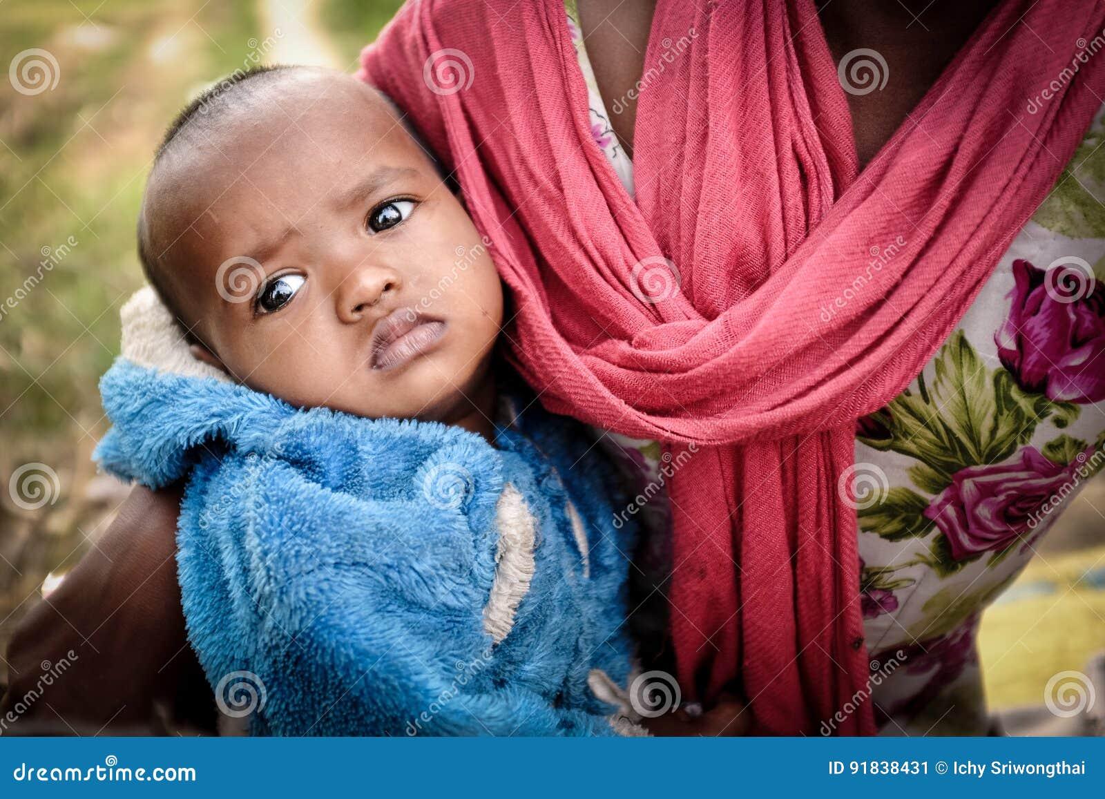 Gaya India December 3 2016 An Indian Mom Brings Her Young Baby