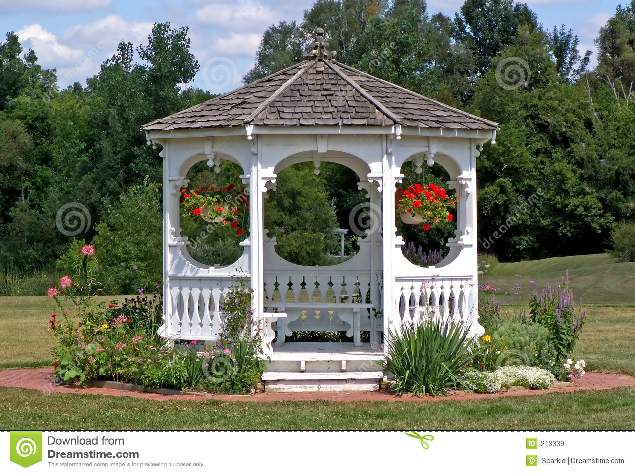 Gazebo Royalty Free Stock Images - Image: 213339
