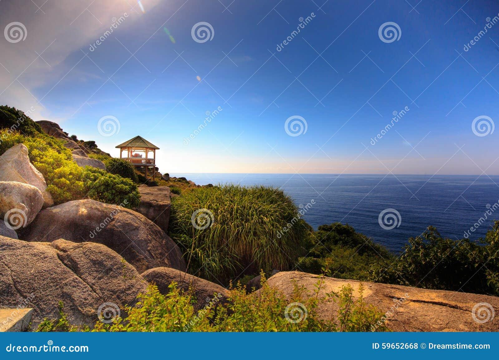 Gazebo en el Mountain View al mar