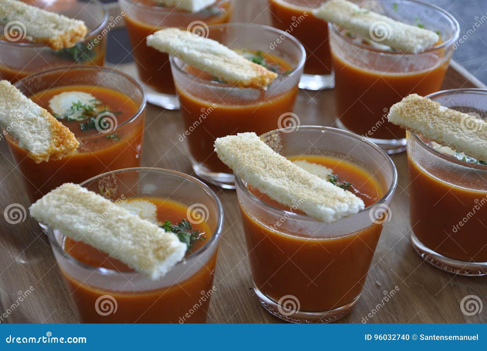 Gazpacho na półmisku