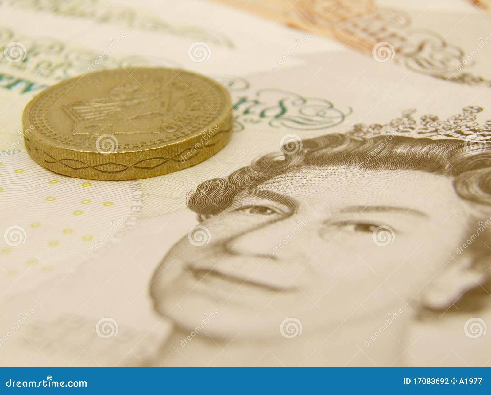 Gbp-Banknoten und Münzen