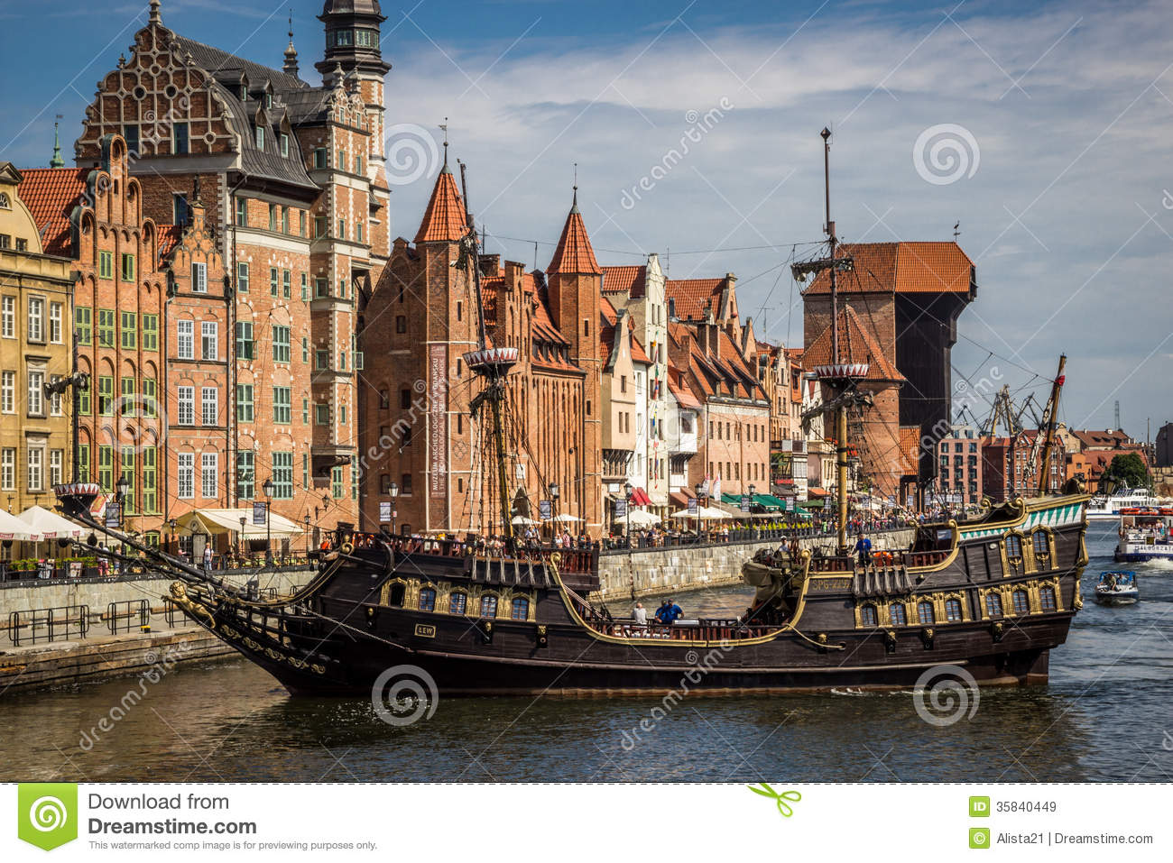 Gdansk Poland August 25 Historic Building On Motlawa River