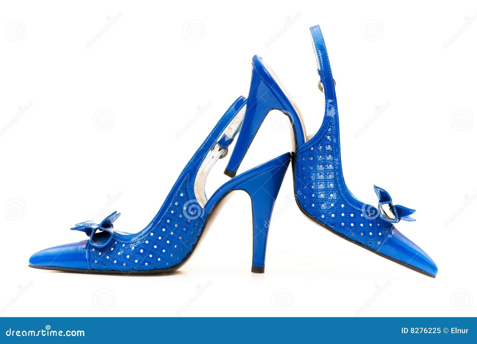 Geïsoleerdee de schoenen van de vrouw