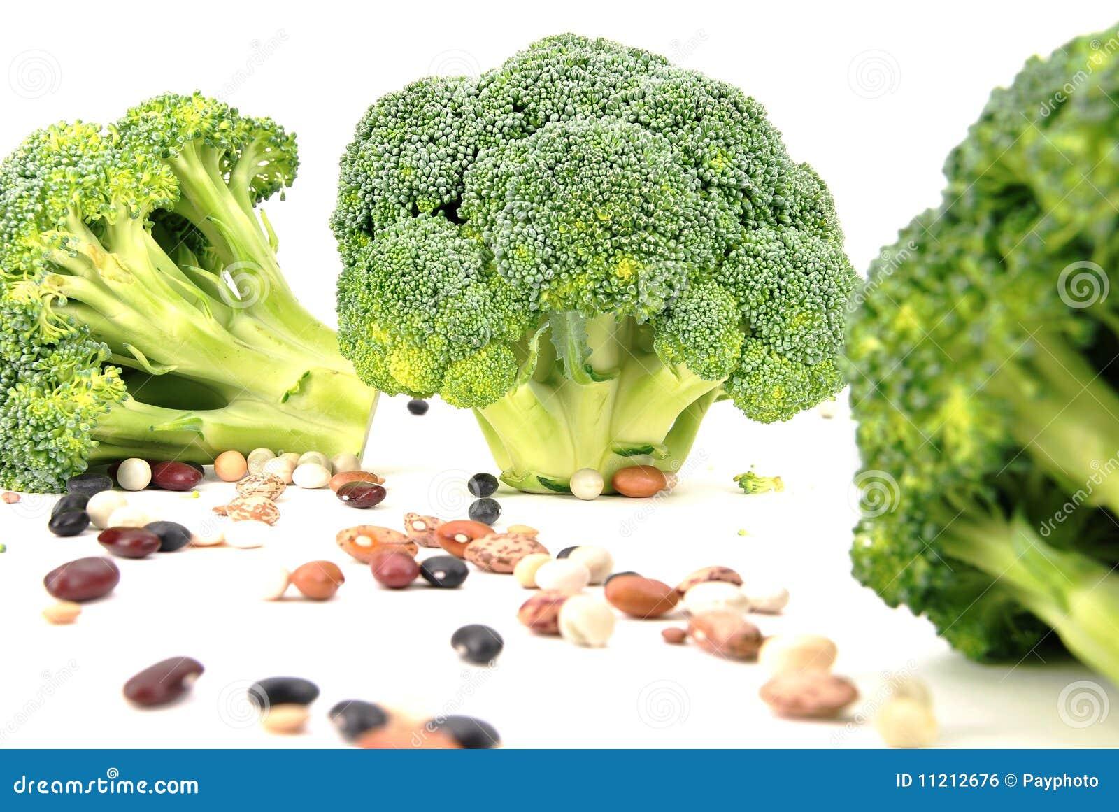 Geïsoleerds broccoli en boonpatroon