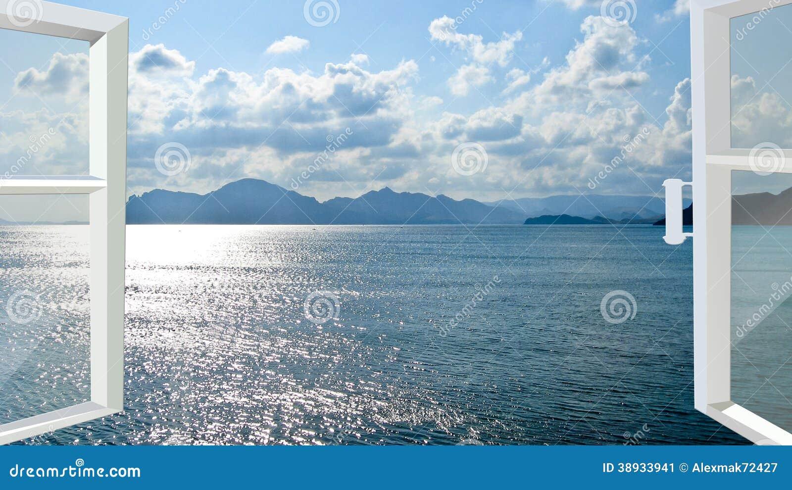 Geöffnetes Fenster zum Meer