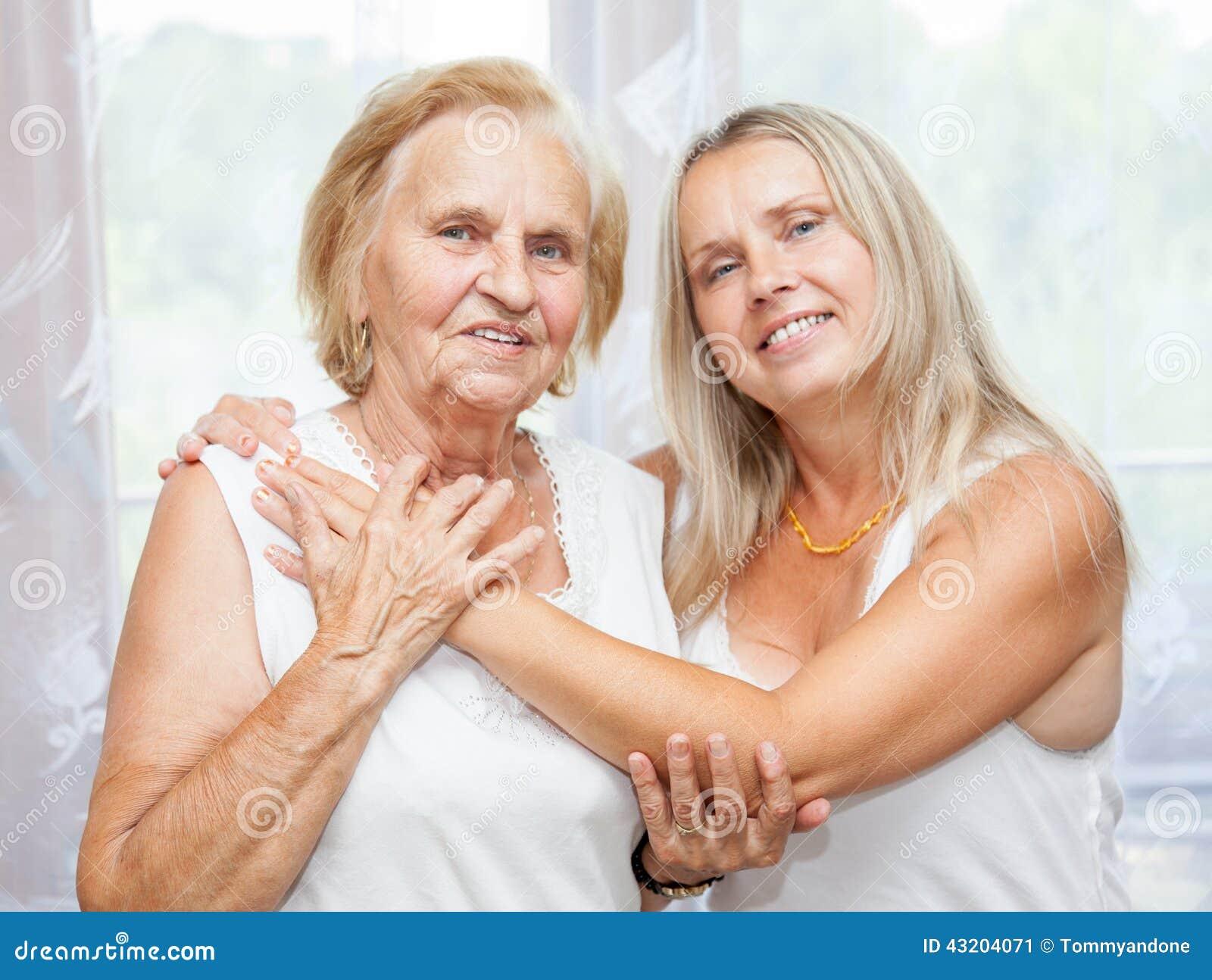 Download Ge omsorg för åldring fotografering för bildbyråer. Bild av åldring - 43204071