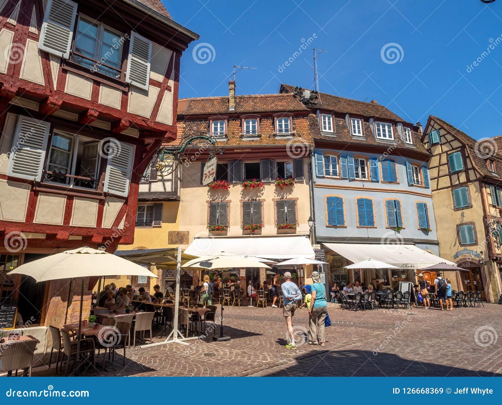 Gebäude im Herzen von mittelalterlichem Colmar