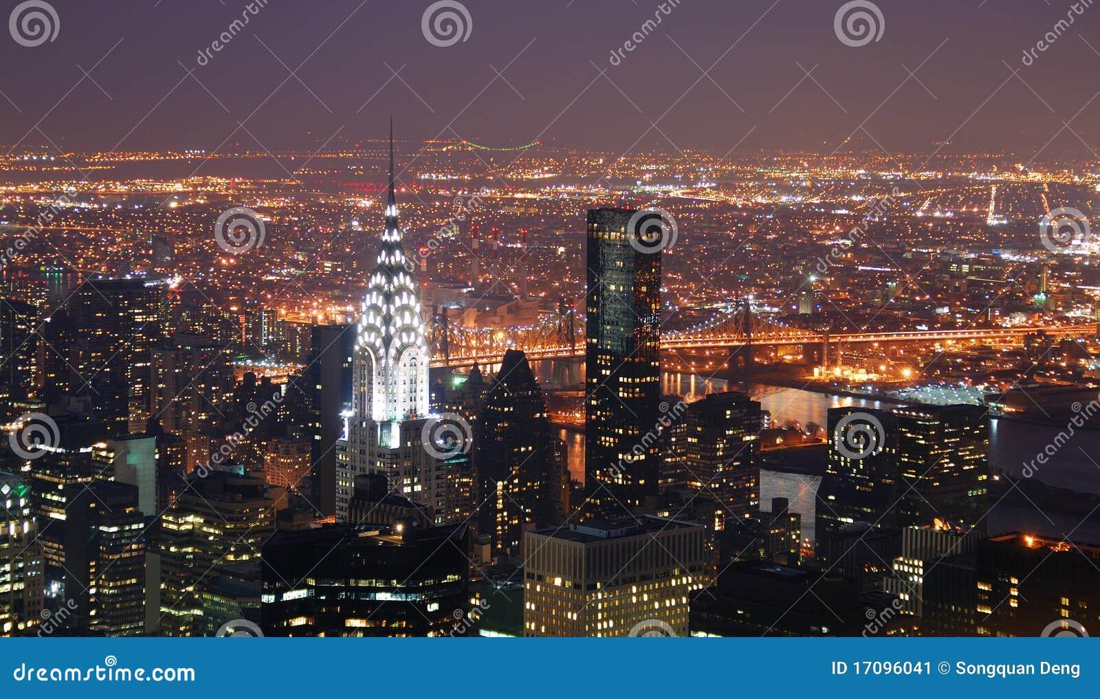 Gebäude New- York Citymanhattan Chrysler nachts