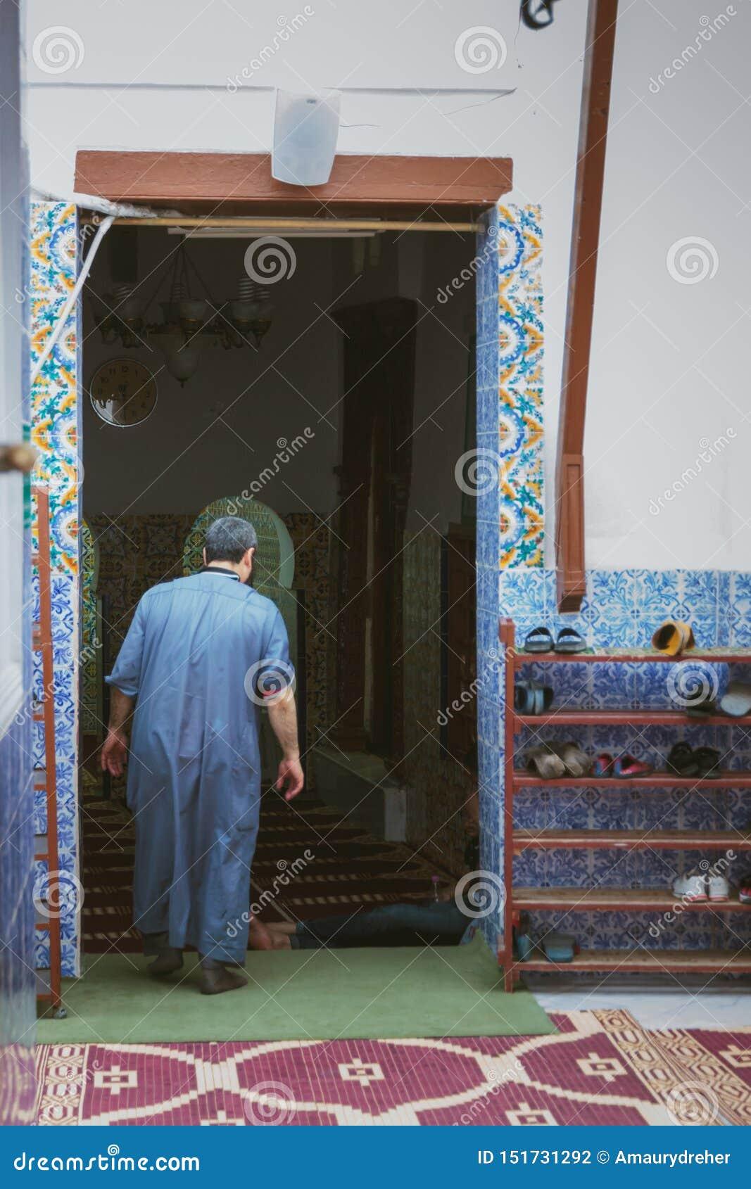 Gebetszeit während Ramadans in Algerien