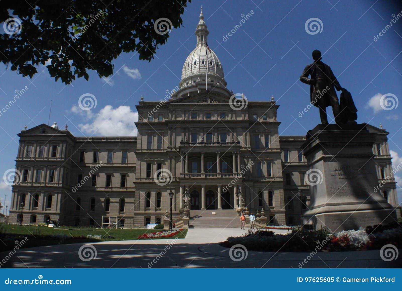 Gebouw van het Capitool van de Staat is ontsproten