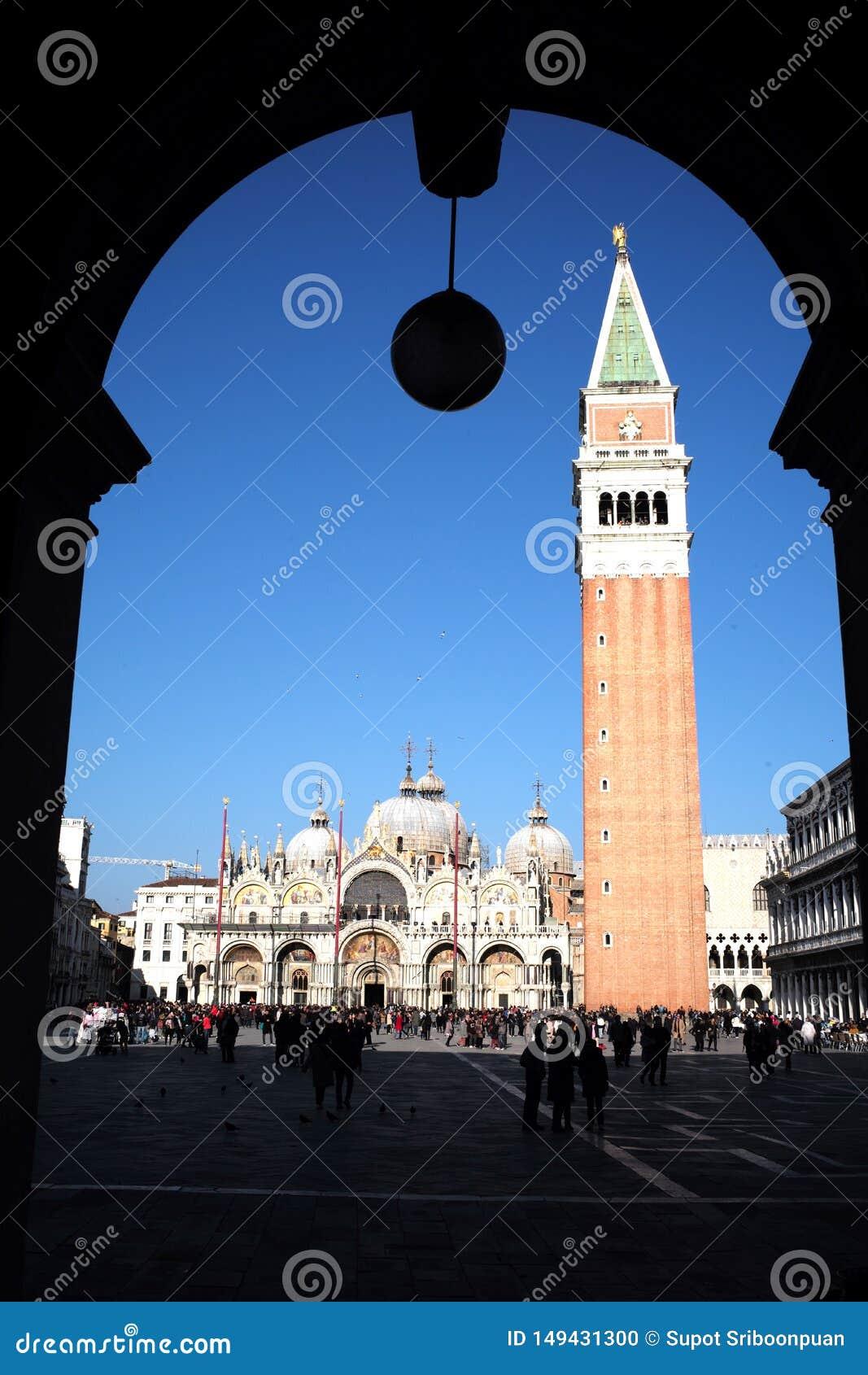 Gebouwd in Venetiaanse Gotische stijl