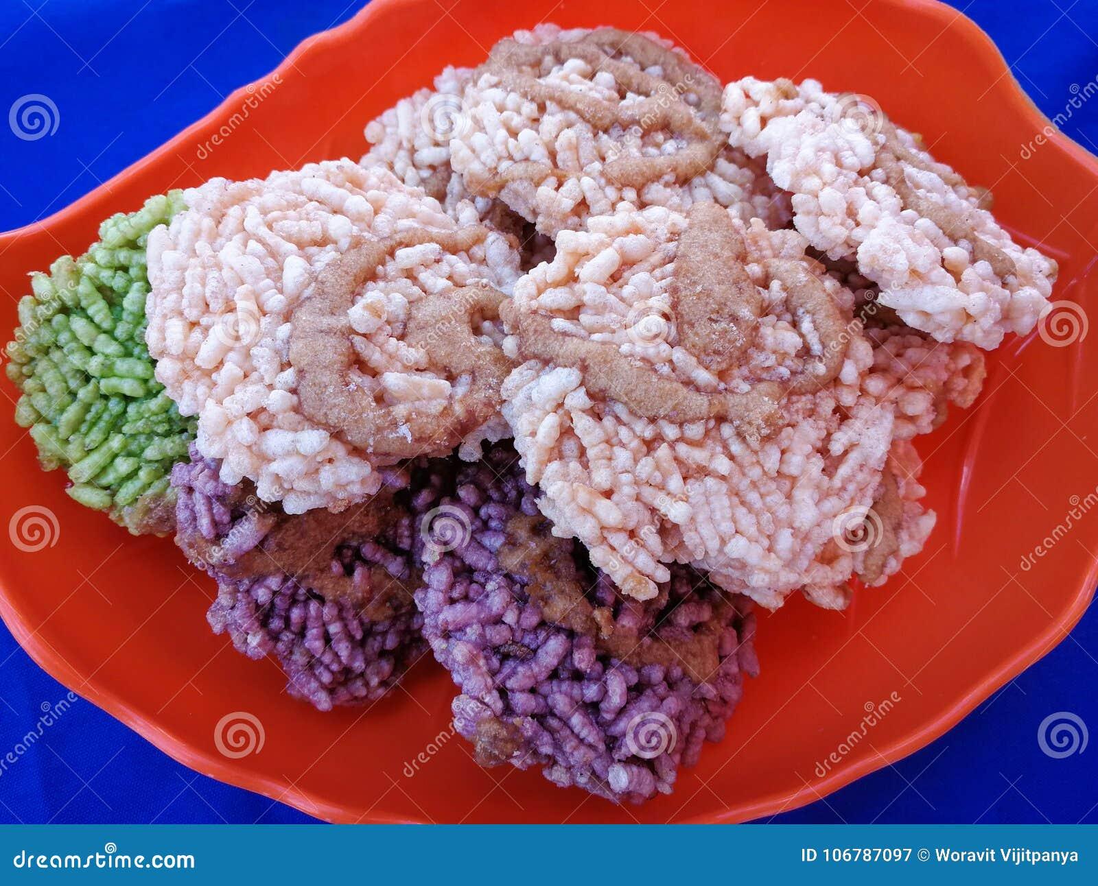 Gebraden kernachtige rijst Thaise zoete gebraden suiker