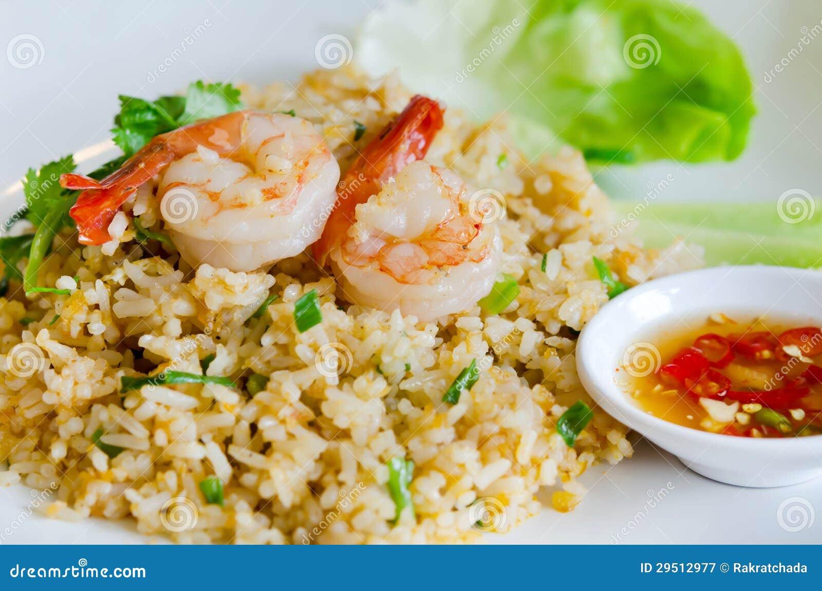 Gebraden rijst en garnalen