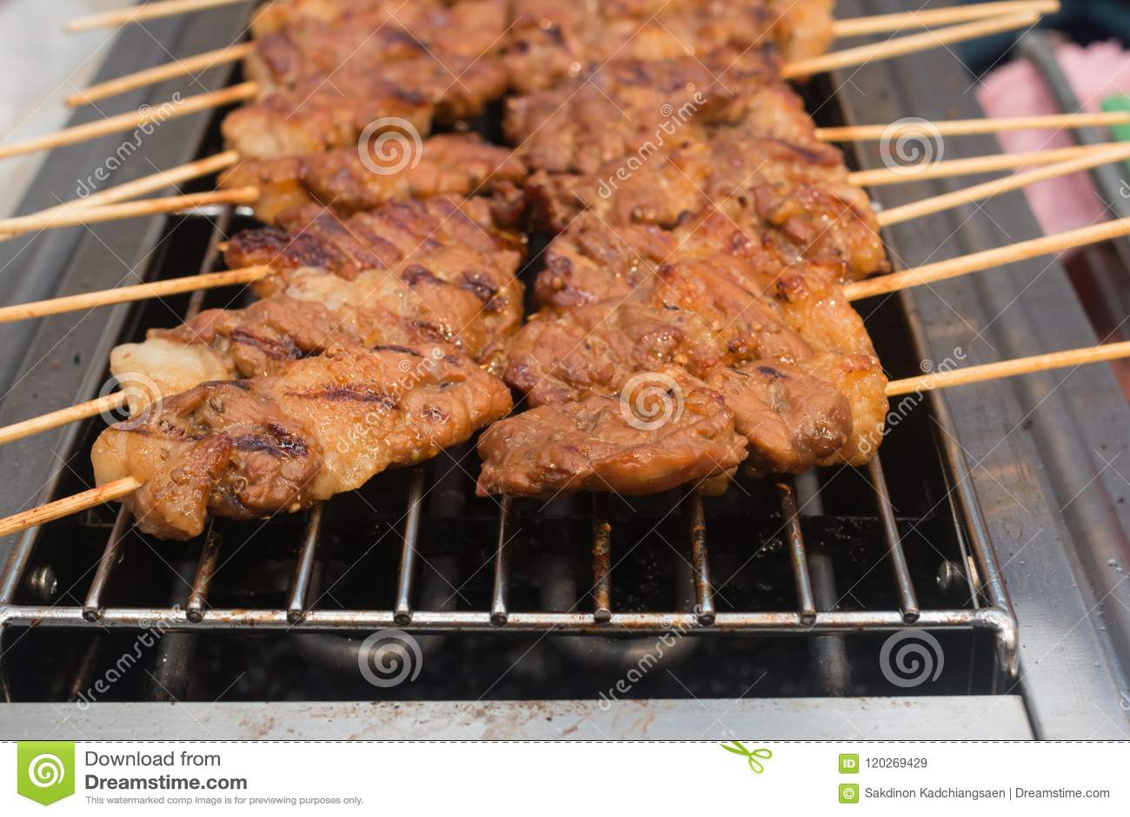 Gebratenes Schweinefleisch auf Gitter-Grill